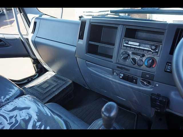 いすゞ フォワード 2.7t 標準ベッドレス 4段クレーン付