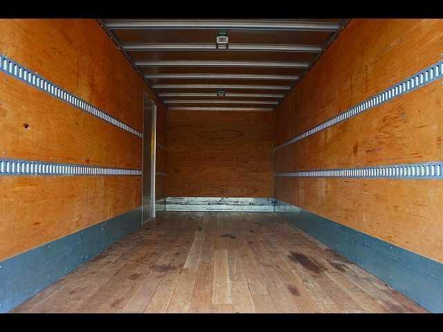 三菱ふそう ファイター 2.85t ワイドベッド付 格納ゲート付