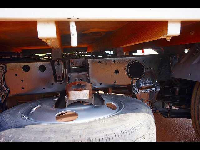 2t 4WD 全低床 標準 平ボディ(10枚目)