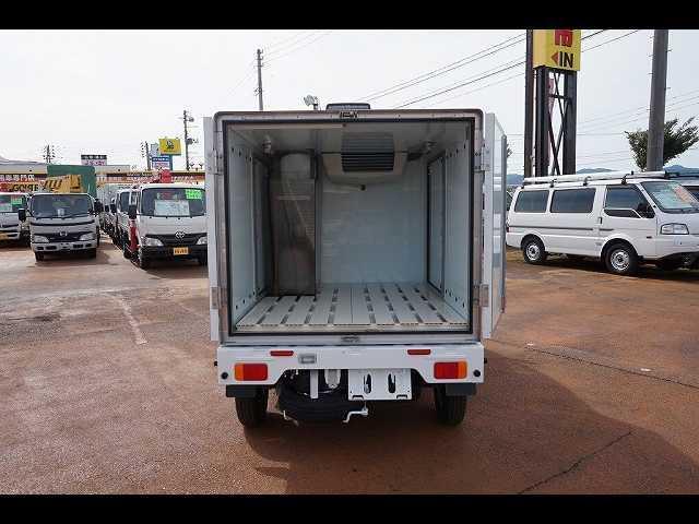 0.35t 4WD 中温冷凍車(14枚目)