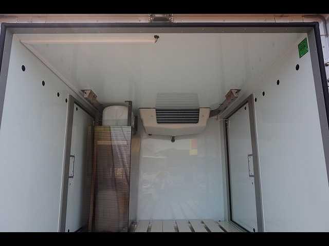 0.35t 4WD 中温冷凍車(16枚目)