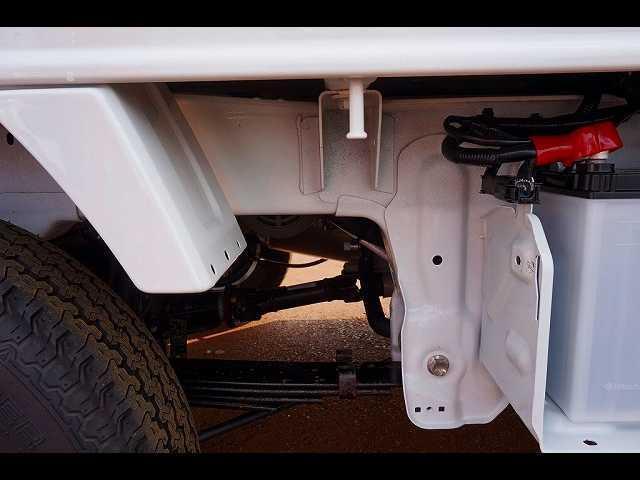 0.35t 4WD 中温冷凍車(19枚目)