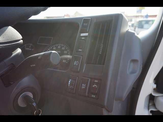 4WD AC PS PW SRS ABS HSA 左右電格ミラー/ヒーター 排気ブレーキ キーレス 社外メモリーナビ/バックカメラ連動/フルセグTV エコストップ 室内蛍光灯