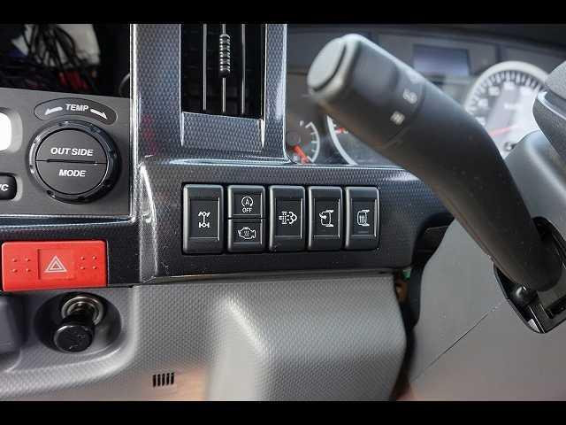1.5t 4WD FFL Wタイヤ 平ボディ カスタム(6枚目)