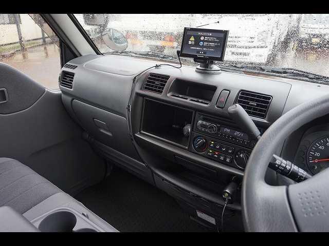 GL 0.95t 4WD 5人乗り 5ドア ガソリン(4枚目)