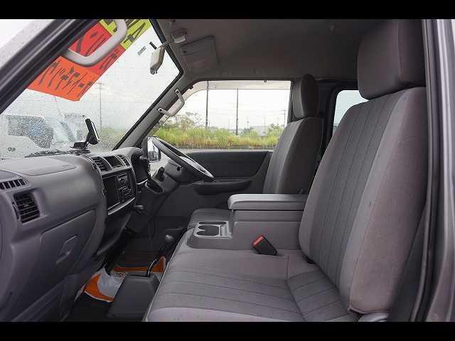 GL 0.95t 4WD 5人乗り 5ドア ガソリン(13枚目)