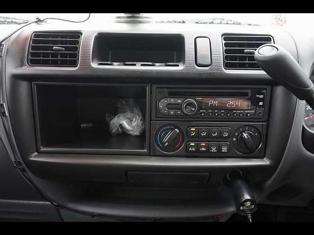 GL 0.95t 4WD 5人乗り 5ドア ガソリン(14枚目)