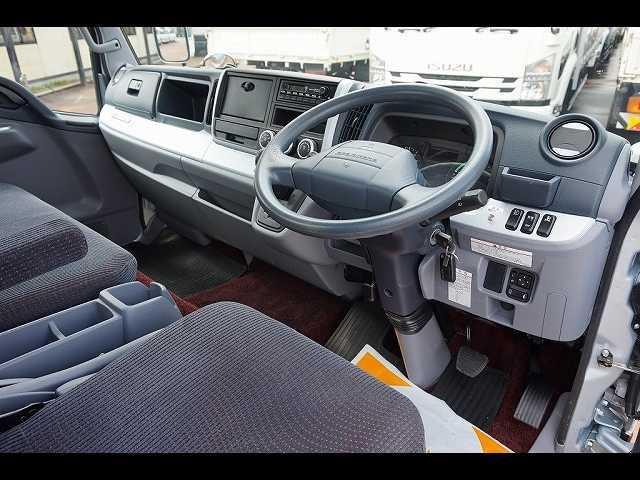 オートAC PS PW SRS ABS 左右電格ミラー/電動角度調整 排気ブレーキ キーレス 運転席シートダンパー/肘掛け フォグランプ ルーフキャリア付 ハイルーフ