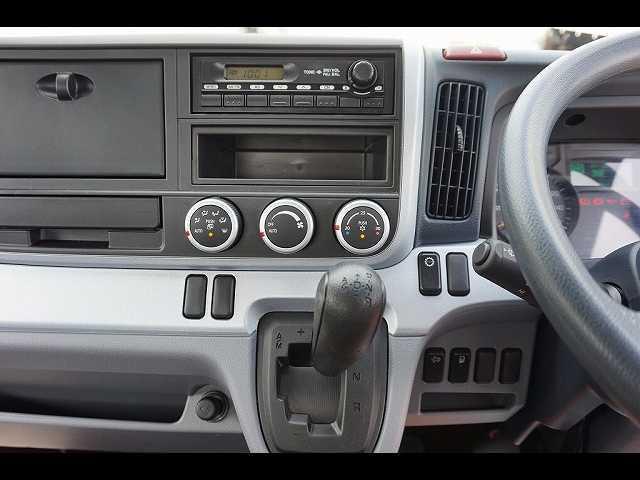 オートAC PS PW SRS ABS 左右電格ミラー/電動角度調整 排気ブレーキ キーレス 運転席シートダンパー/肘掛け フォグランプ インパネAT