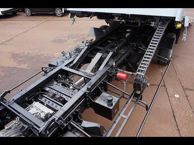 荷台内寸:509×207×10 古河ユニック UC-28ARS ラジコン ウインチ付 三方開 床フック12個 荷台タイヤ止め2個 作業灯1個/ミラー1個 左右R支柱脱着可