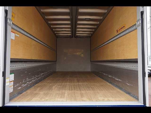 2.6t ワイドベッド付 ウイング PG/1,000kg付 リモコン付 R上部跳ね上げ式 セイコーラック 床フック5対 ラッシング2段 6速MT 電格ミラー キーレス バックモニター エアサスシート(8枚目)