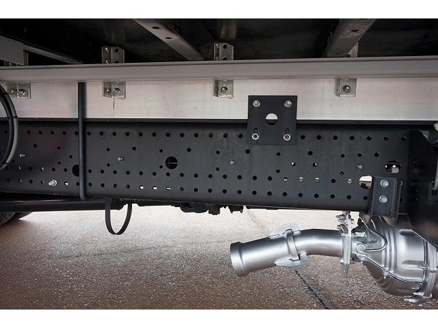 2.6t ワイドベッド付 ウイング PG/1,000kg付 リモコン付 R上部跳ね上げ式 セイコーラック 床フック5対 ラッシング2段 6速MT 電格ミラー キーレス バックモニター エアサスシート(32枚目)