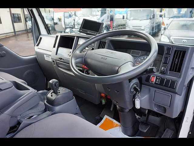2t 4WD FFL 標準 低温冷凍車(3枚目)