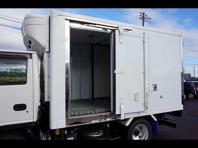 2t 4WD FFL 標準 低温冷凍車(9枚目)