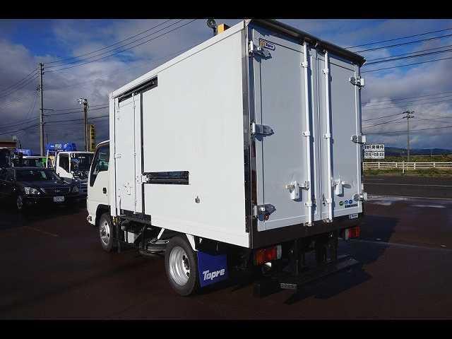 2t 4WD FFL 標準 低温冷凍車(12枚目)