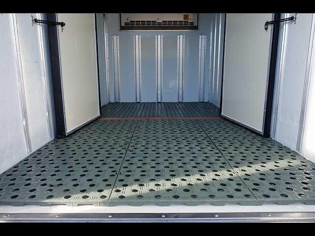 2t 4WD FFL 標準 低温冷凍車(16枚目)
