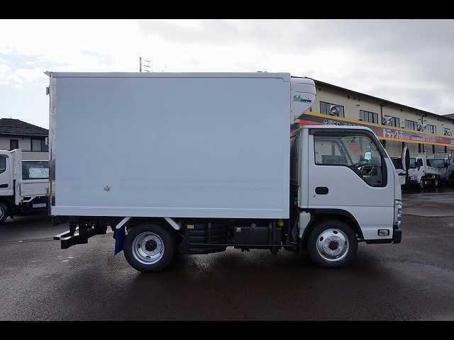 2t 4WD FFL 標準 低温冷凍車(19枚目)