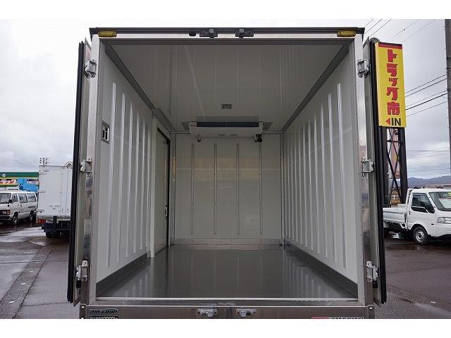 2t 4WD FJL 標準 中温冷凍車(17枚目)