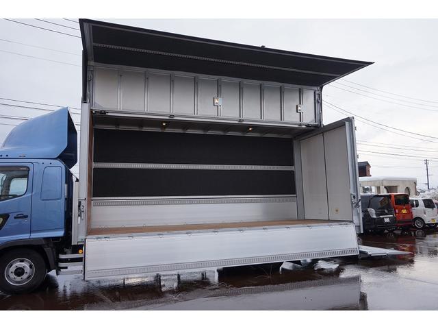 4.5t 増トン ワイドベッド付 ウイング Rエアサス R観音扉/格納ゲート1,000kg付 リモコン付 床フック6対 ラッシング2段 セイコーラック 荷室左右パネルカーペット張り 6MT(43枚目)