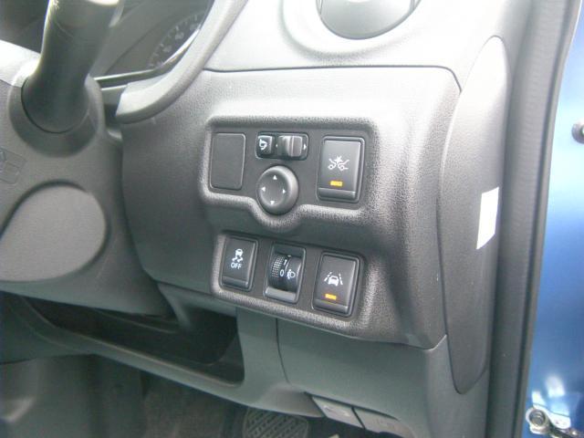 X FOUR Vセレクション+セーフティ 4WD(12枚目)
