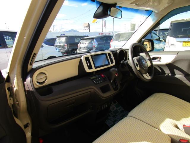 スタンダード・Lホワイトクラッシースタイル 4WD ナビTV(2枚目)