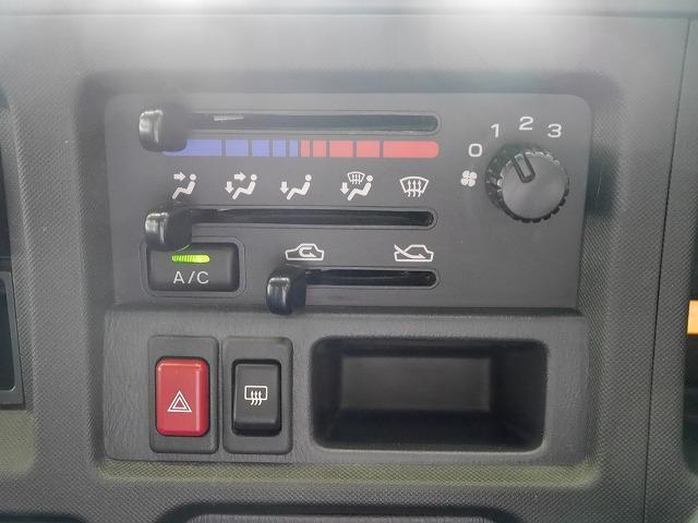 トランスポーター 4WD 5MT CDデッキ キーレスキー(6枚目)