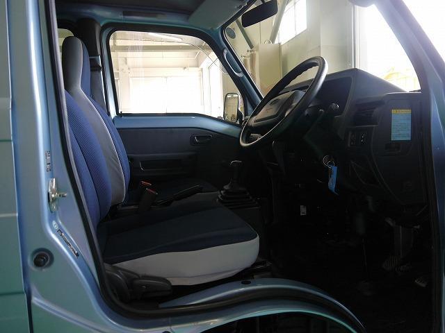 トランスポーター 4WD 5MT CDデッキ キーレスキー(16枚目)