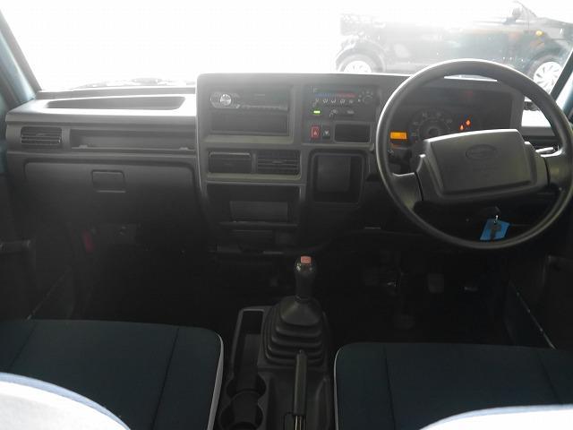 トランスポーター 4WD 5MT CDデッキ キーレスキー(18枚目)