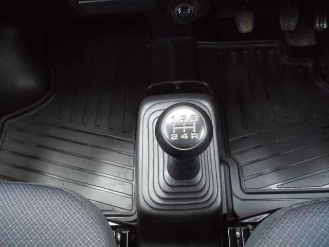 ベースグレード 4WD 5速マニュアル ABS キーレス(11枚目)