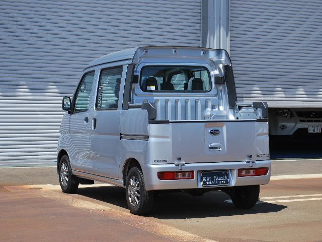 オープンデッキ 4WD 5速マニュアル ワンオーナー車(5枚目)