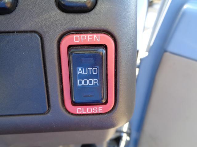 29人乗り マイクロバス 4WD オートエアコン 自動ドア(15枚目)