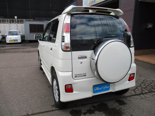 カスタム メモリアルエディション   4WD ターボ(9枚目)