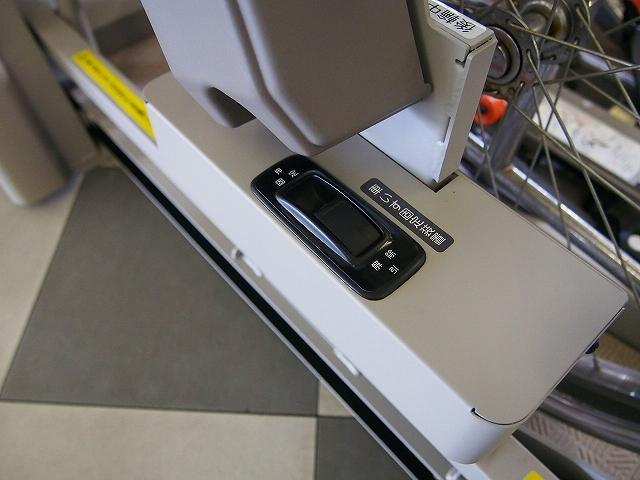 福祉車両 H.Sチェアキャブ リフタータイプ ツインモニター(5枚目)
