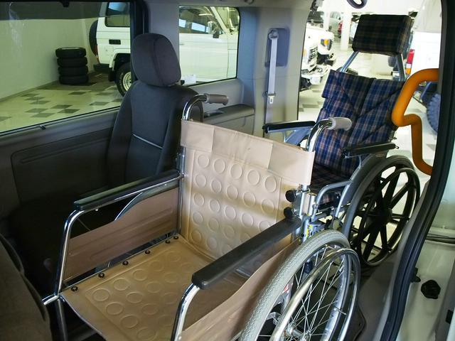 G 4WD 車いす2基固定 両側電動 電動ウィンチ クルコン(4枚目)