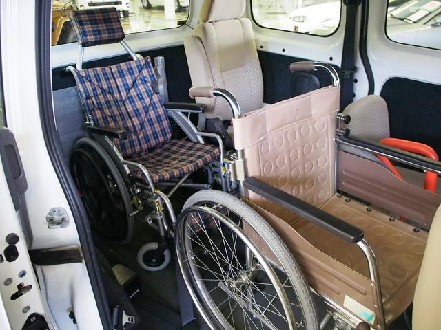 福祉車輌 車椅子2基固定 オートステップ Bモニター(2枚目)