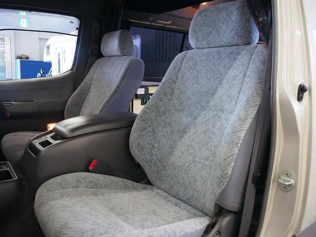 Sロングハイルーフ オリジナルキャンパー 3.0DT 4WD 8ナンバー 社外SDナビ 地デジ バックカメラ シンク 給排水10Lポリタンク 走行充電 サブバッテリー コンロ Rクーラー Rヒーター(14枚目)