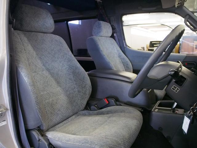 Sロングハイルーフ オリジナルキャンパー 3.0DT 4WD 8ナンバー 社外SDナビ 地デジ バックカメラ シンク 給排水10Lポリタンク 走行充電 サブバッテリー コンロ Rクーラー Rヒーター(15枚目)