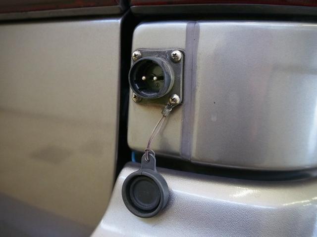 Sロングハイルーフ オリジナルキャンパー 3.0DT 4WD 8ナンバー 社外SDナビ 地デジ バックカメラ シンク 給排水10Lポリタンク 走行充電 サブバッテリー コンロ Rクーラー Rヒーター(16枚目)