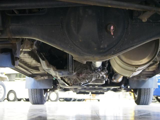 Sロングハイルーフ オリジナルキャンパー 3.0DT 4WD 8ナンバー 社外SDナビ 地デジ バックカメラ シンク 給排水10Lポリタンク 走行充電 サブバッテリー コンロ Rクーラー Rヒーター(27枚目)