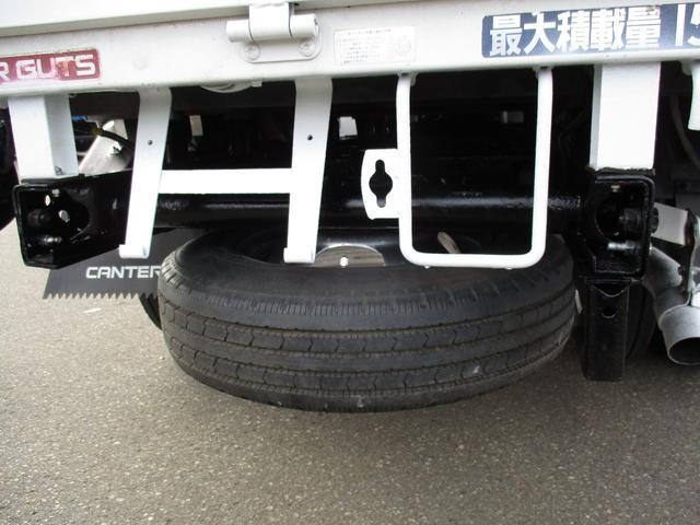 積載量1500kg 4WD リヤダブルタイヤ(4枚目)