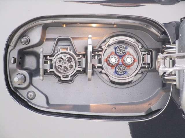 「三菱」「アウトランダーPHEV」「SUV・クロカン」「新潟県」の中古車11