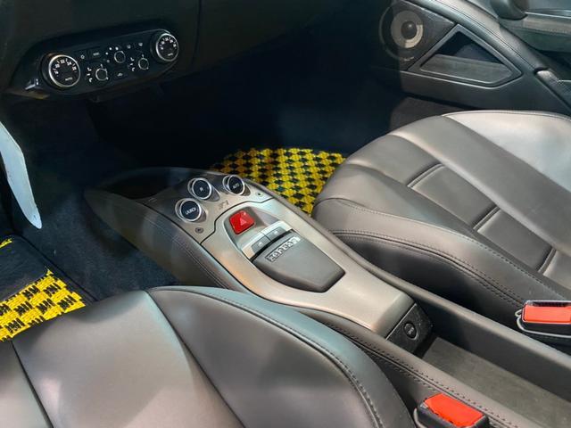 ベースグレード 正規D車/ドライバーゾーン付きカーボンLEDS/黒革電動シート&シートヒーター/ノビテックロッソエキゾースト&パワークラフトチタンテール/ノビテックロッソコイルスプリング/パーキングソナー/Bカメラ(20枚目)