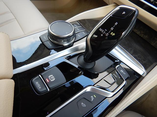 「BMW」「BMW」「セダン」「愛媛県」の中古車12