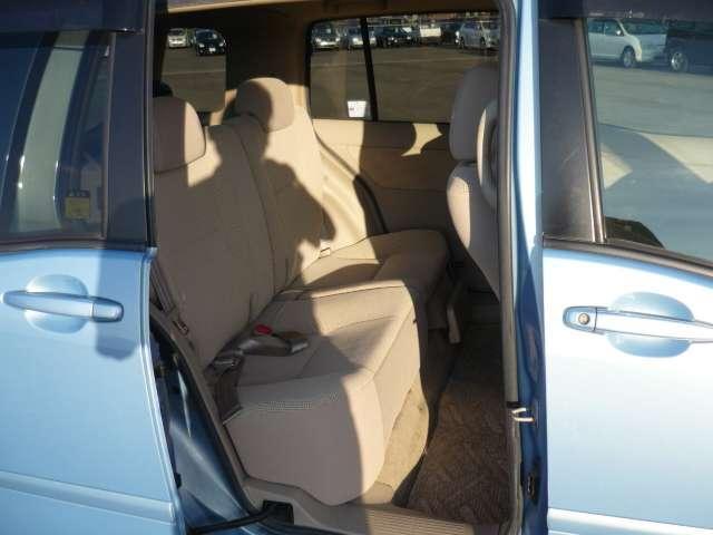 トヨタ ラウム 1.5 ウエルキャブ車 後席回転スライドシート車