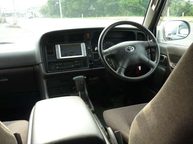トヨタ ハイエースワゴン スーパーカスタムG トリプルムーンR