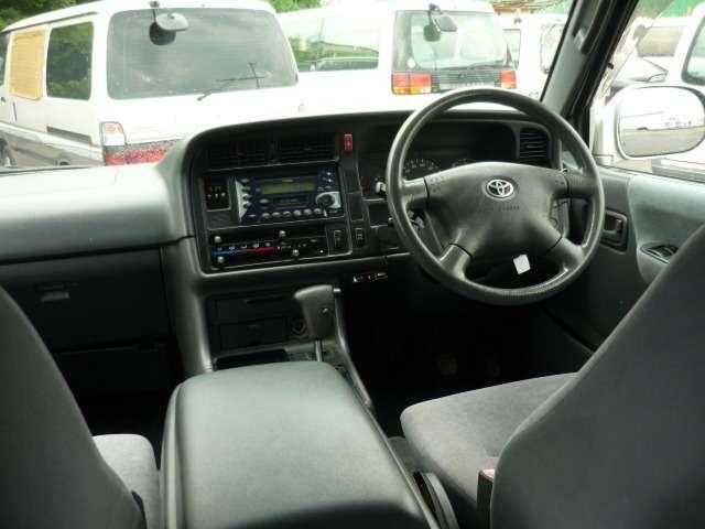 トヨタ ハイエースワゴン スーパーカスタム セミミドルR 4WD