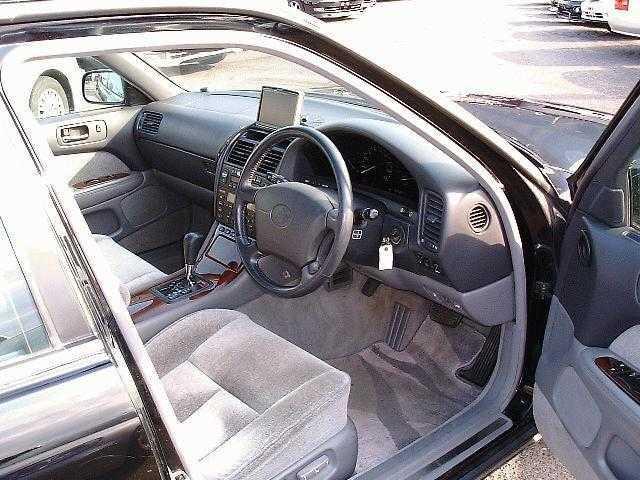 トヨタ セルシオ C仕様 Fパッケージ装着車