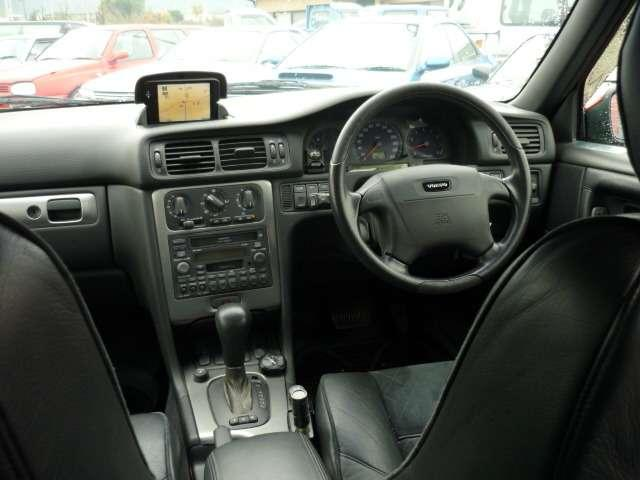 ボルボ ボルボ V70 R AWD