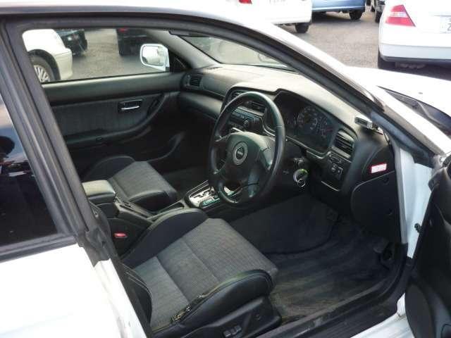 GT-B 4WD(4枚目)