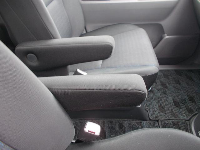 「トヨタ」「ヴォクシー」「ミニバン・ワンボックス」「高知県」の中古車67